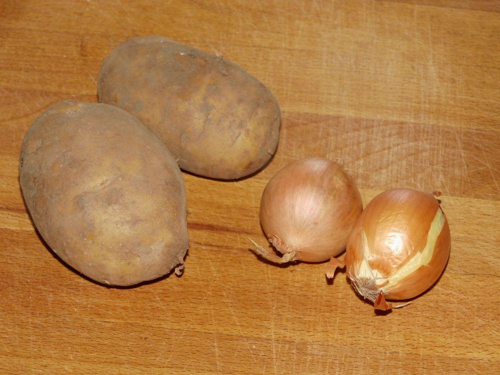 01_Kartoffeln_und_Zwiebeln.jpg