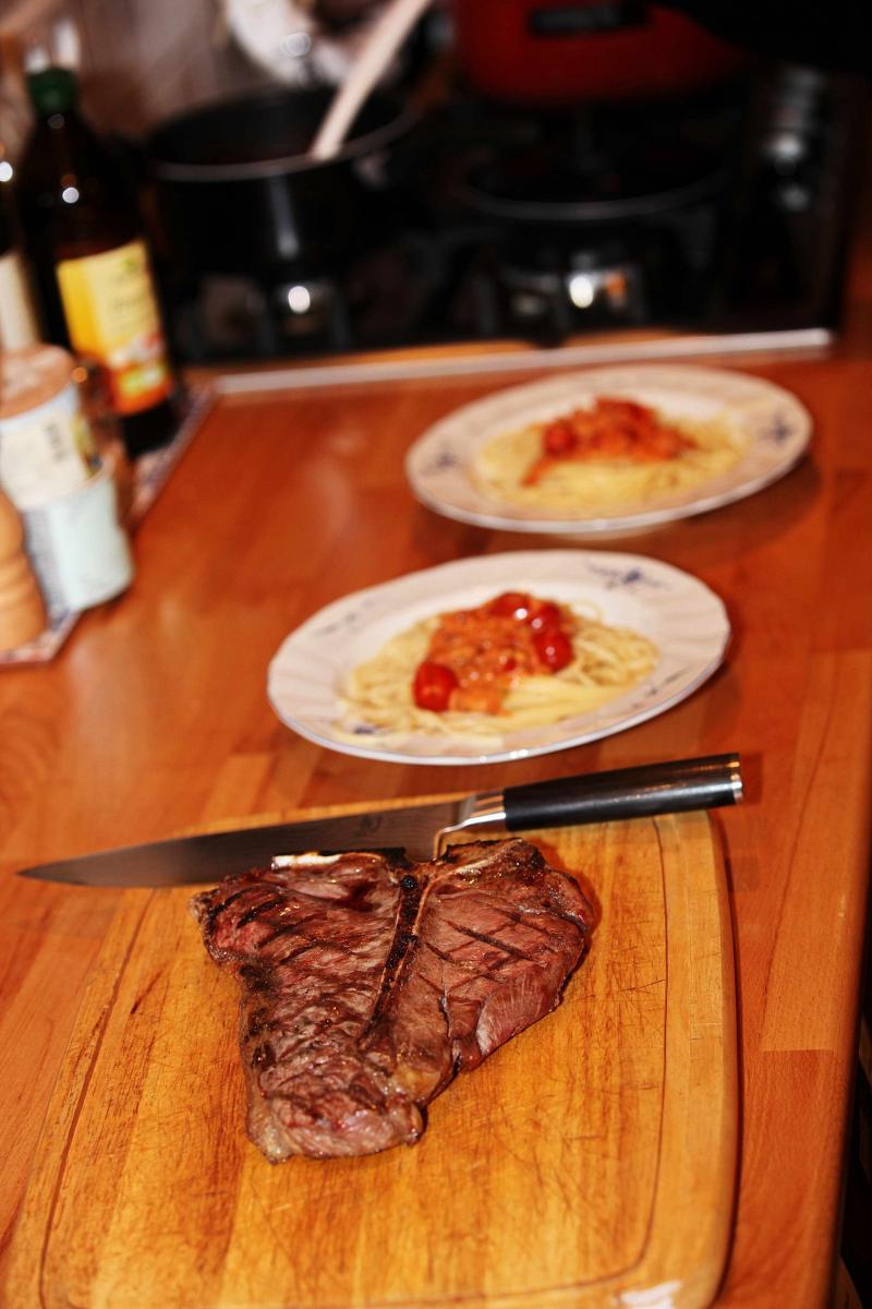 02 Porterhouse Steak fertig.jpg