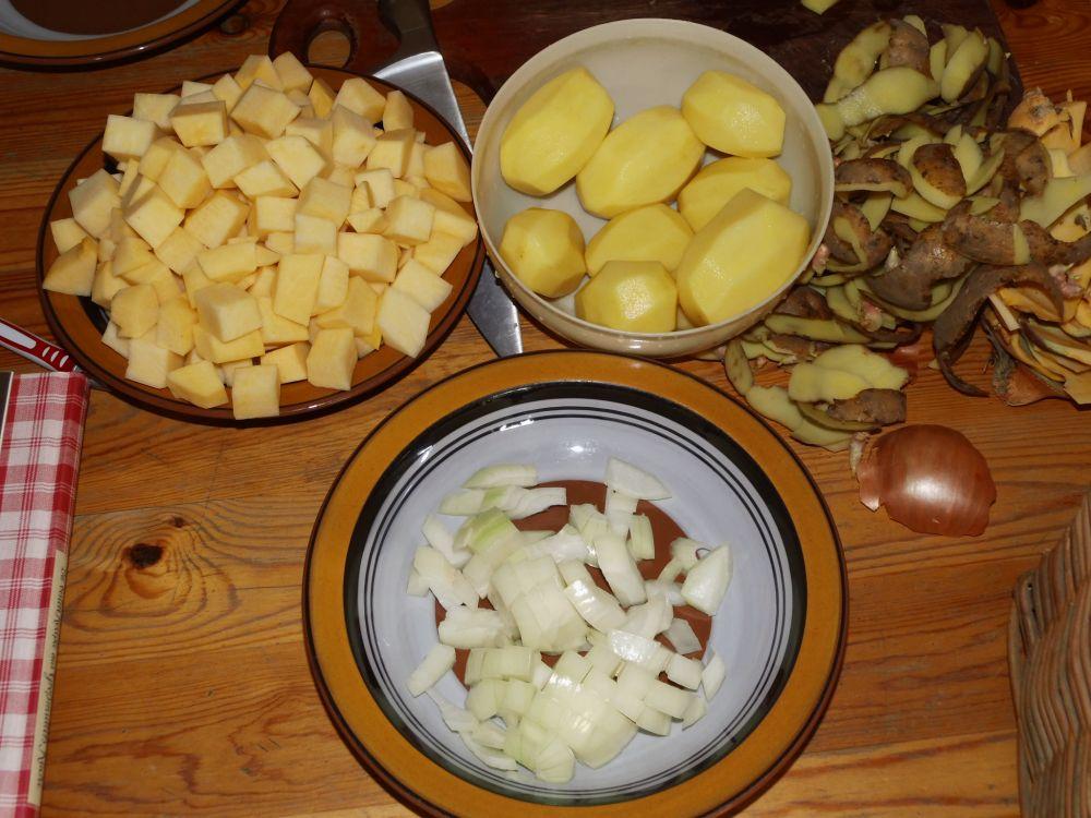 03_Steckrübe_Kartoffeln_und_Zwiebel.jpg