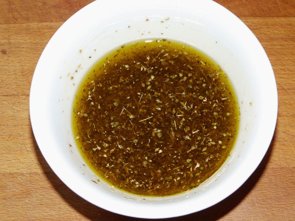 04_dazu_Zitronensaft+Olivenöl.jpg