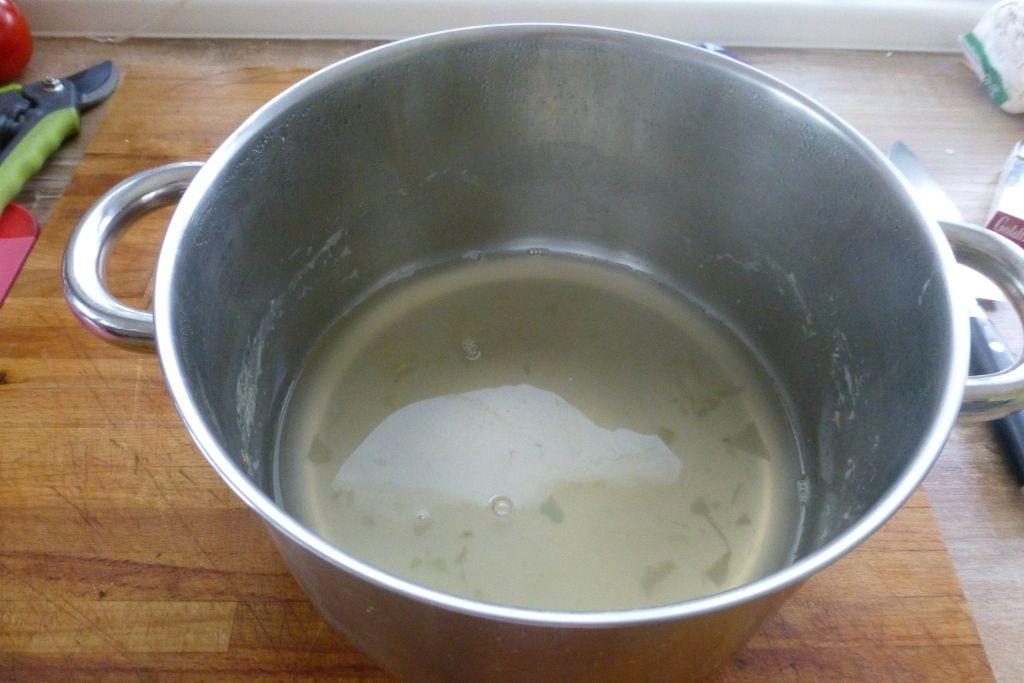 04Spargelkochwasser reduziert.jpg