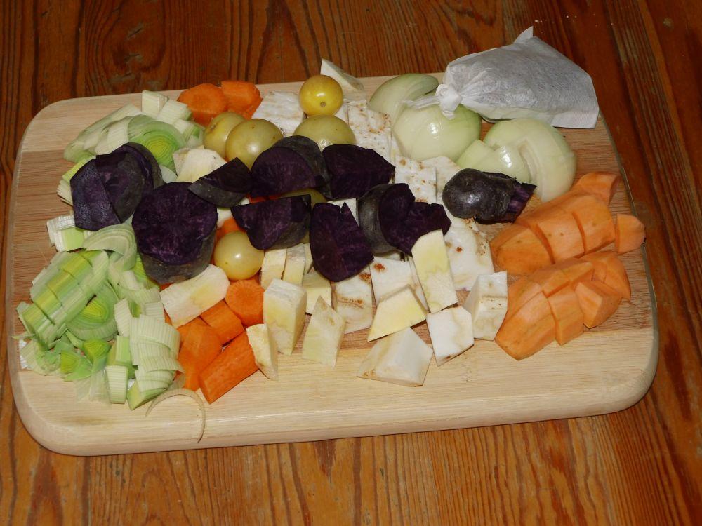 05_Gemüse_für_die_Sauce.jpg
