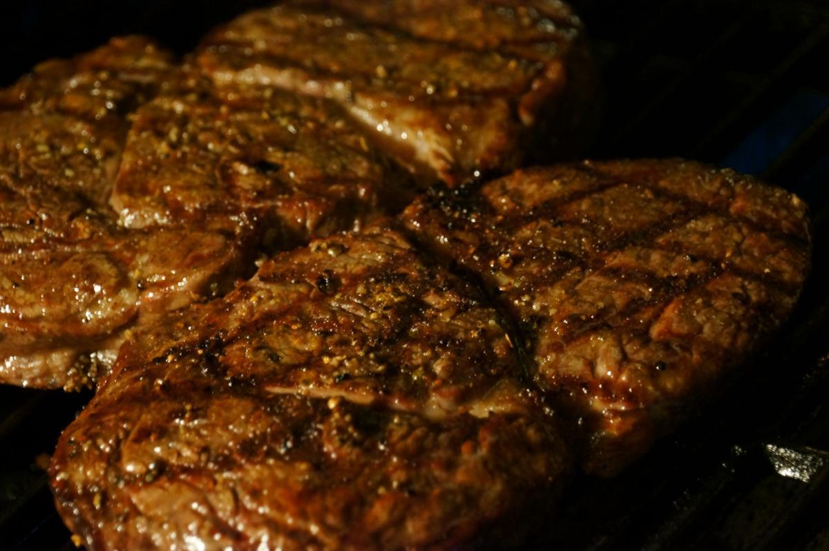08_Steak4_DSC07986.jpg