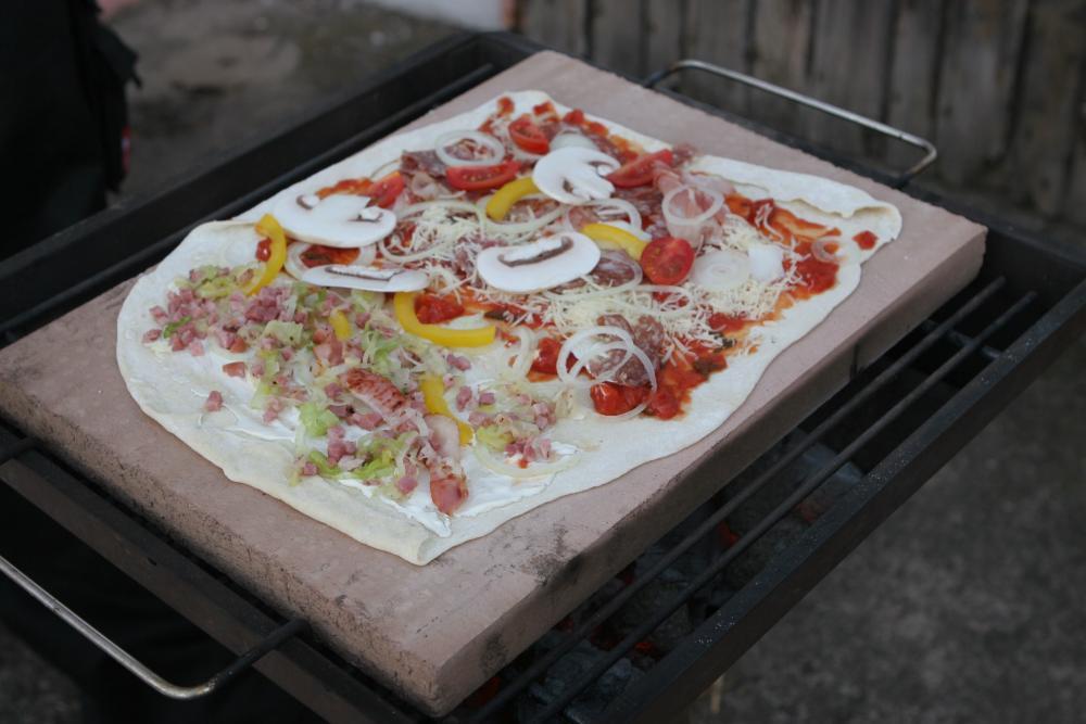 09 Pizza 1.jpg
