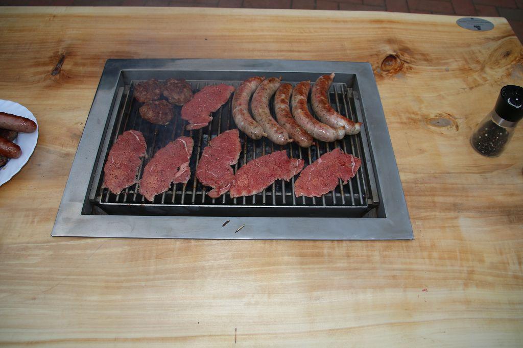 Couchtisch mit V2A Grill  Grillforum und BBQ  www