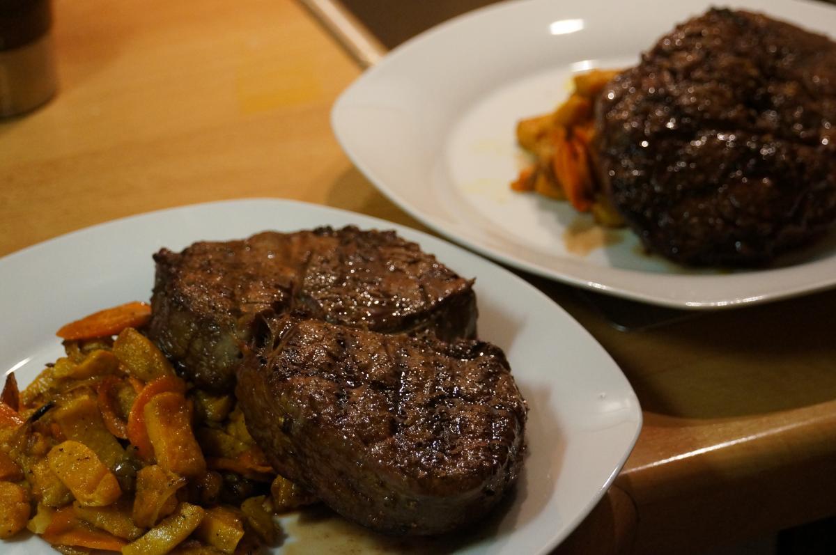 10_Steak5_DSC07988.jpg