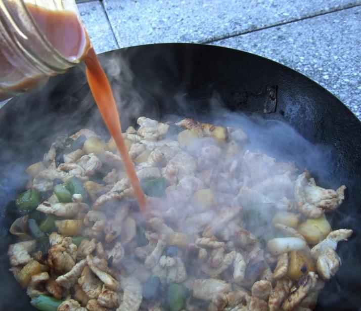 11 - Sauce angießen.jpg