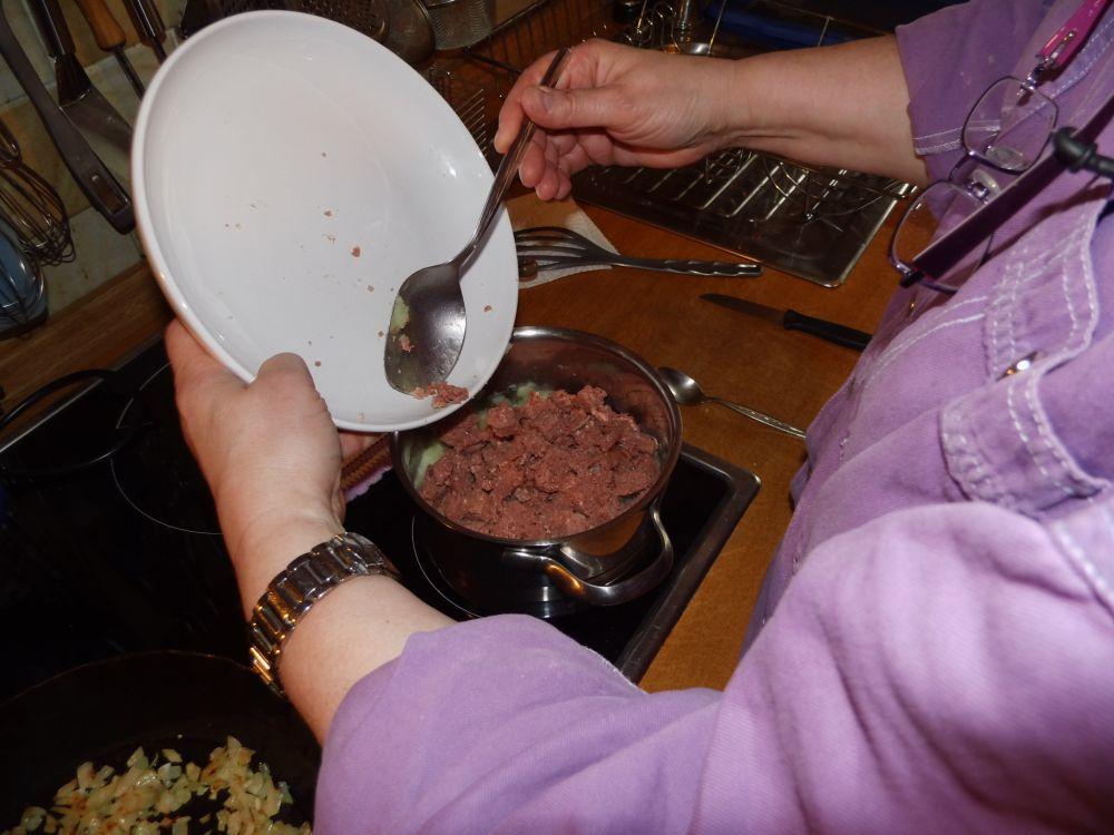 11_Corned_Beef_zu_den_Kartoffeln.jpg