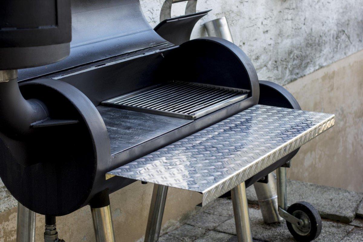 verkaufe verkaufe smoker mit abnehmbarem r ucherturm grillforum und bbq www. Black Bedroom Furniture Sets. Home Design Ideas