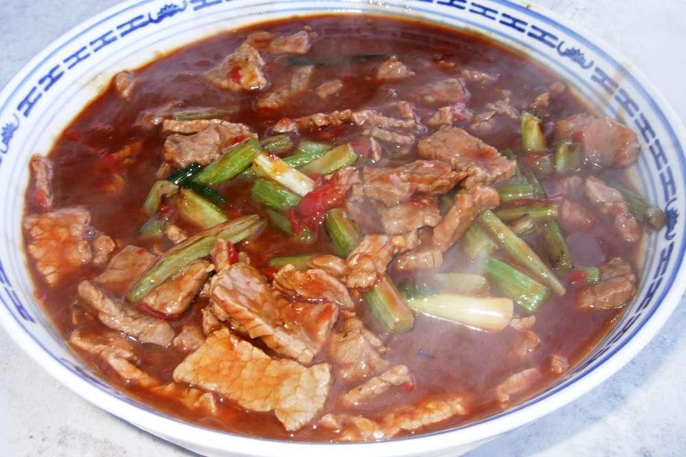 18 - Suppe in die große Schüssel geben, Gemüse etwas hervorholen.jpg