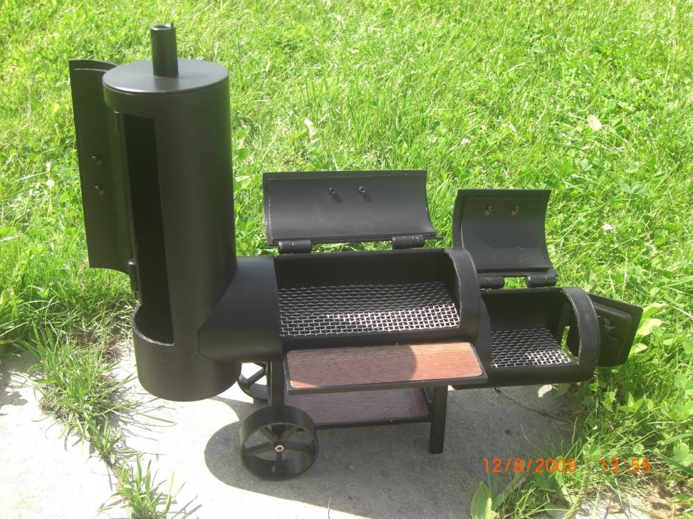 mini smoker auktion grillforum und bbq www. Black Bedroom Furniture Sets. Home Design Ideas