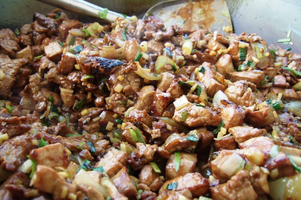 20 - Fleisch dazu, Sauce dazu, mit Salz abschmecken.jpg