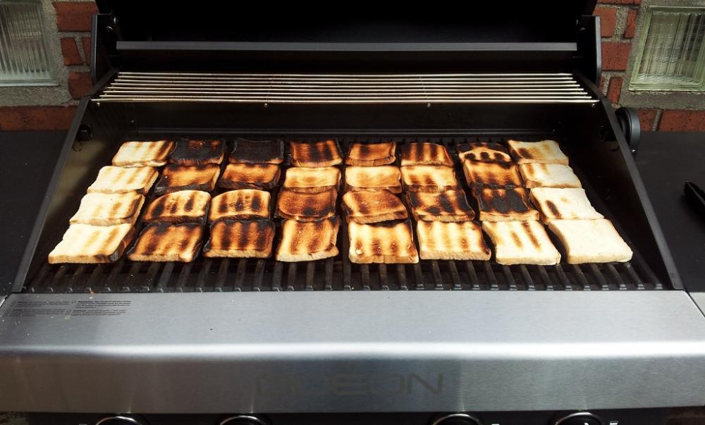 Weber Gasgrill Q300 Test : Toastbrottest zur bestimmung der hitzeverteilung beim gasgrill