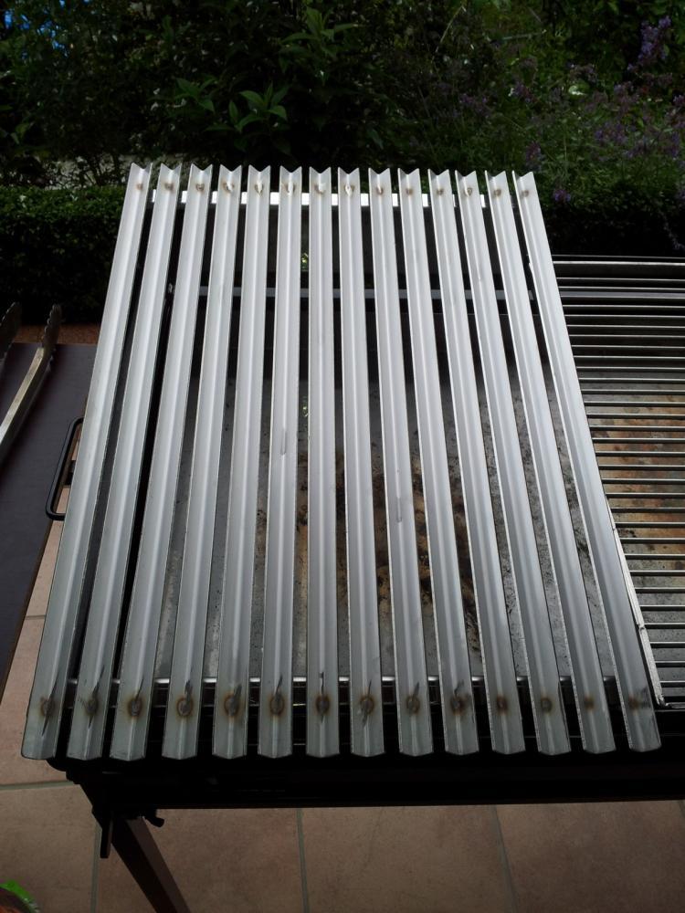 gro er grill f r direktes grillen gesucht seite 2 grillforum und bbq. Black Bedroom Furniture Sets. Home Design Ideas