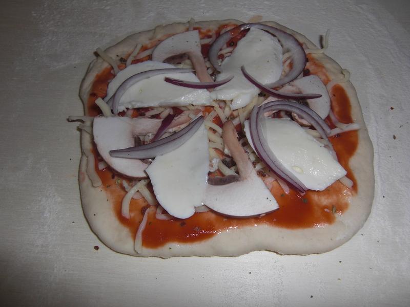 2013-02-Erste Pizza (4).JPG