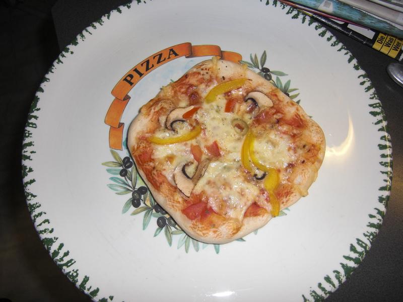 2013-02-Erste Pizza (5).JPG