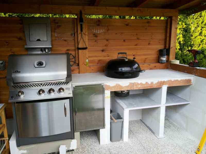 Outdoor Küche Weber Kugelgrill : Outdoorküche mit weber grill folge weber´s drehspieß körbe im
