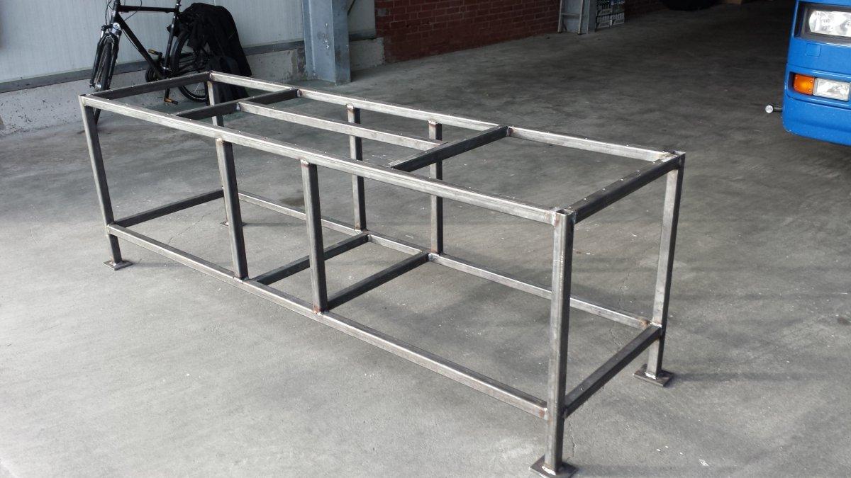 neuer grilltisch entsteht udden tische verabschieden sich grillforum und bbq www. Black Bedroom Furniture Sets. Home Design Ideas