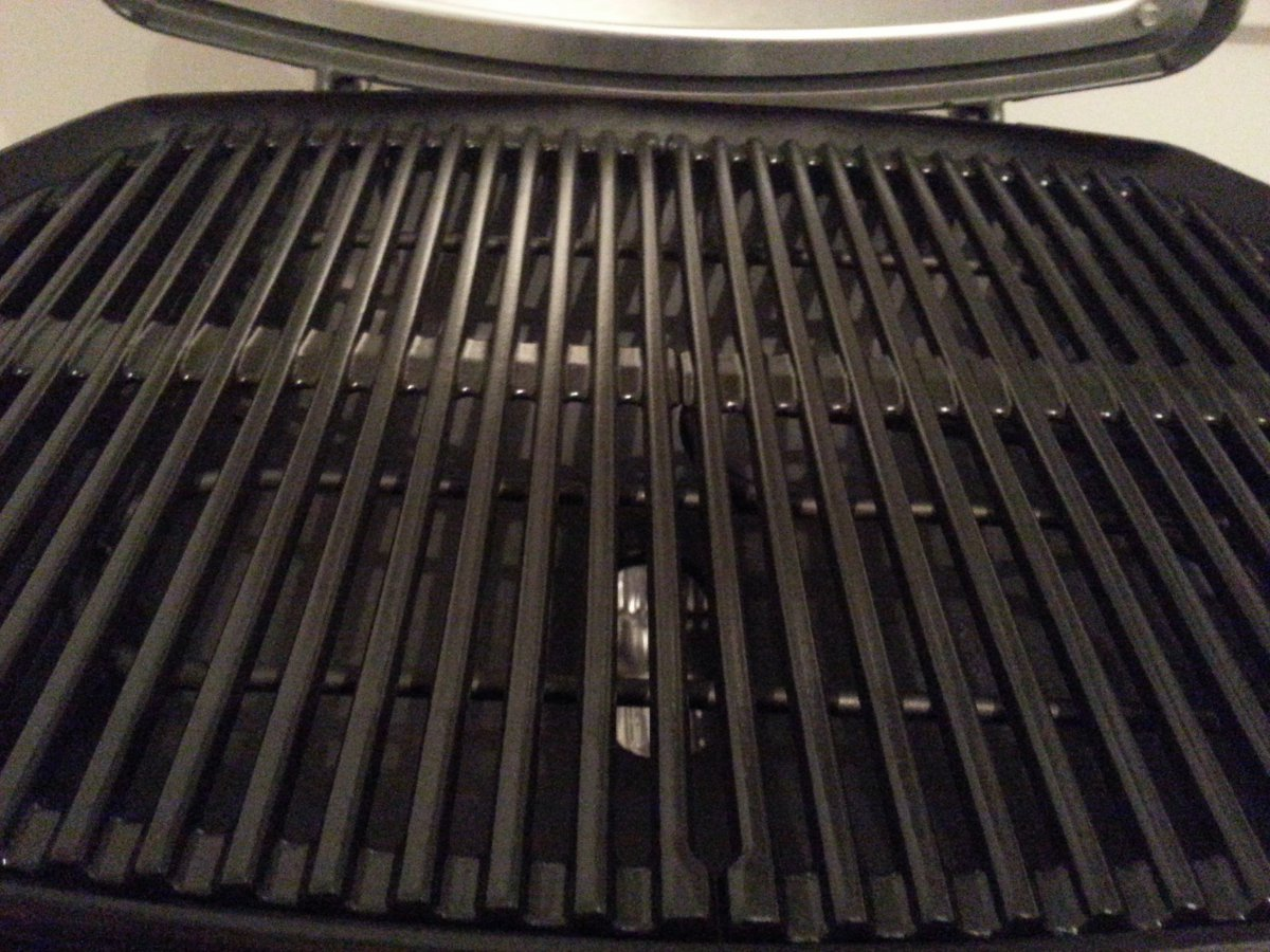 weber q1400 oder q2400 grillforum und bbq. Black Bedroom Furniture Sets. Home Design Ideas