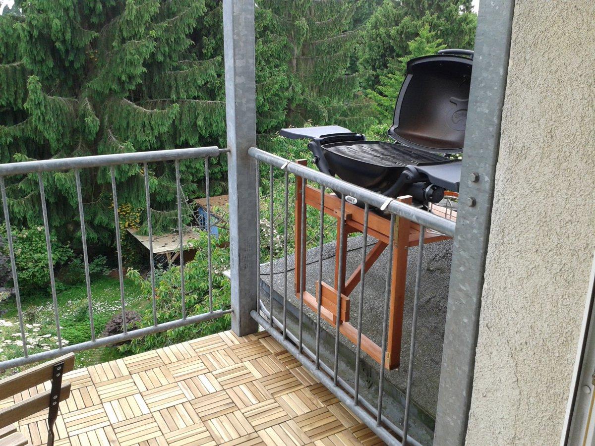 Weber Elektrogrill Balkon : Weber q am balkongeländer grillforum und bbq www.grillsportverein.de