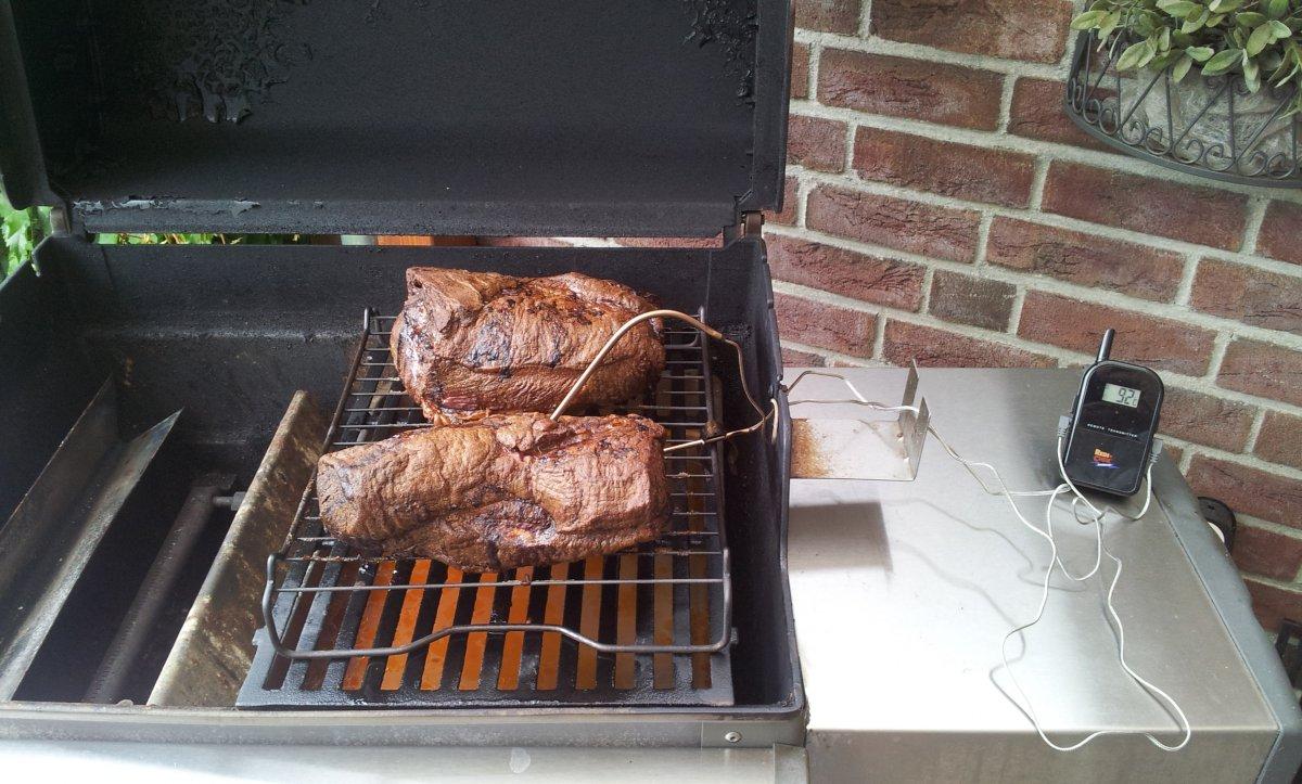 Pulled Pork Gasgrill Q 220 : Doppel pulled pork im weber spirit e grillforum und bbq