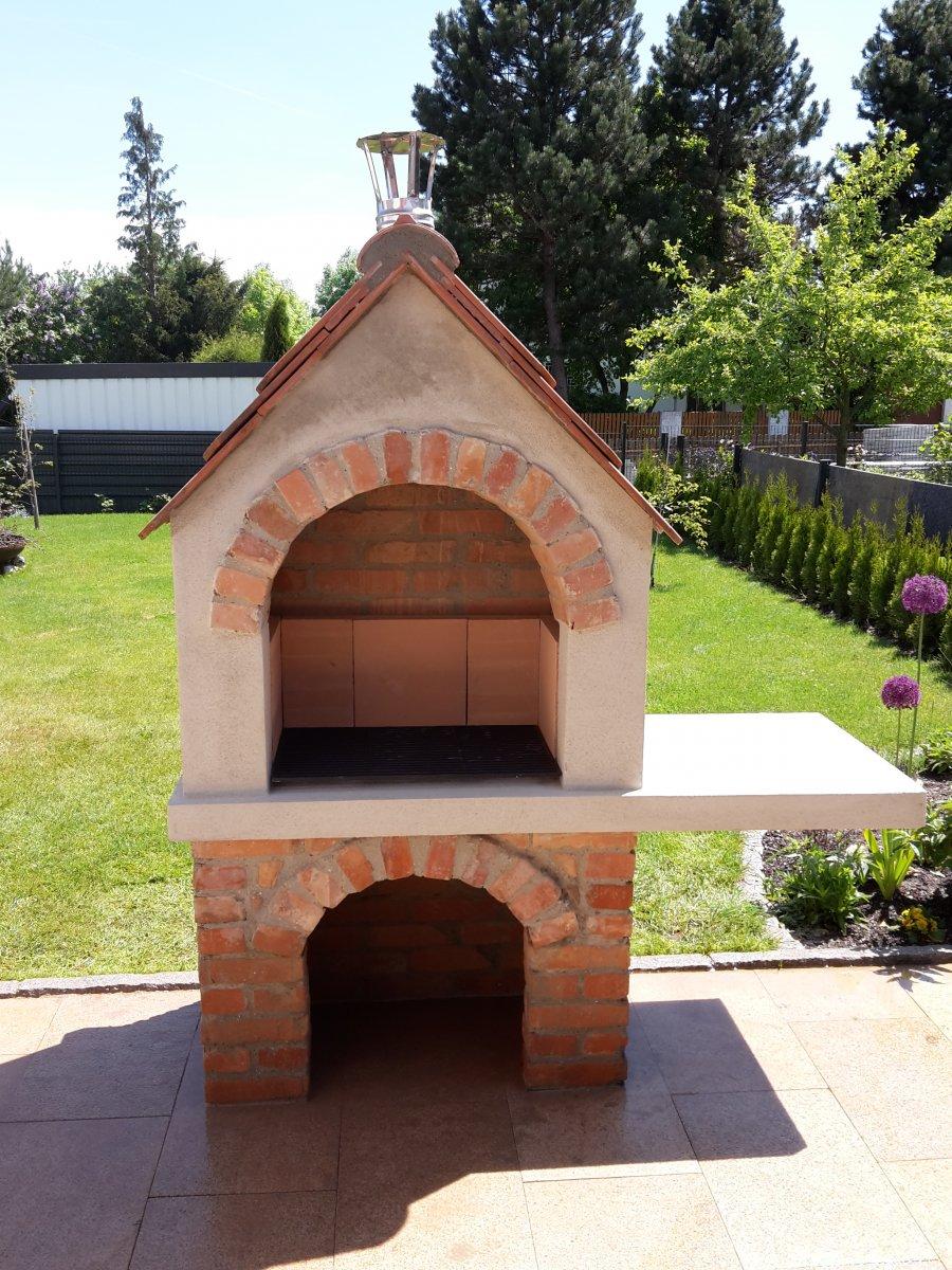 selbst gemauerter gartengrill mit dach grillforum und bbq. Black Bedroom Furniture Sets. Home Design Ideas