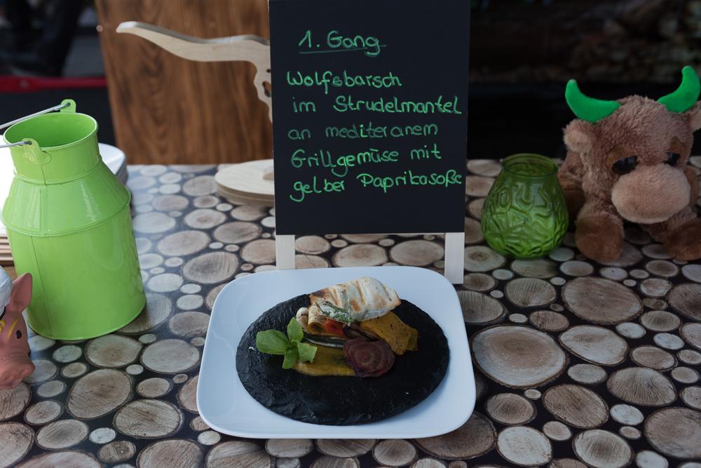 21. Deutsche Grillmeisterschaft, Fulda - Wolfsbarsch-02.jpg