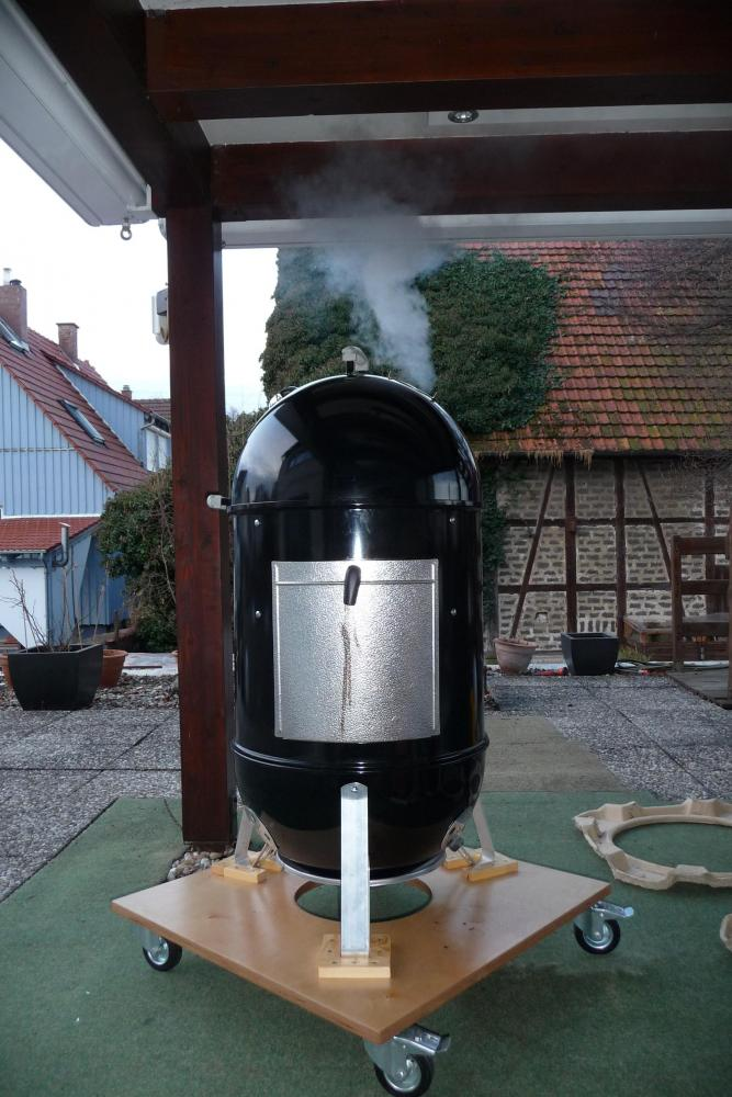 21 Smoker Raucht.jpg