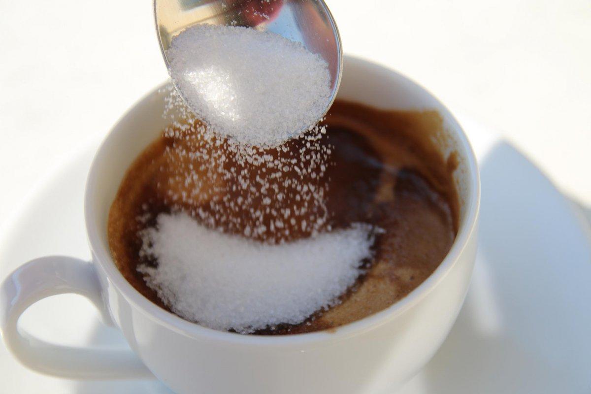 26 Zucker in Espresso.JPG