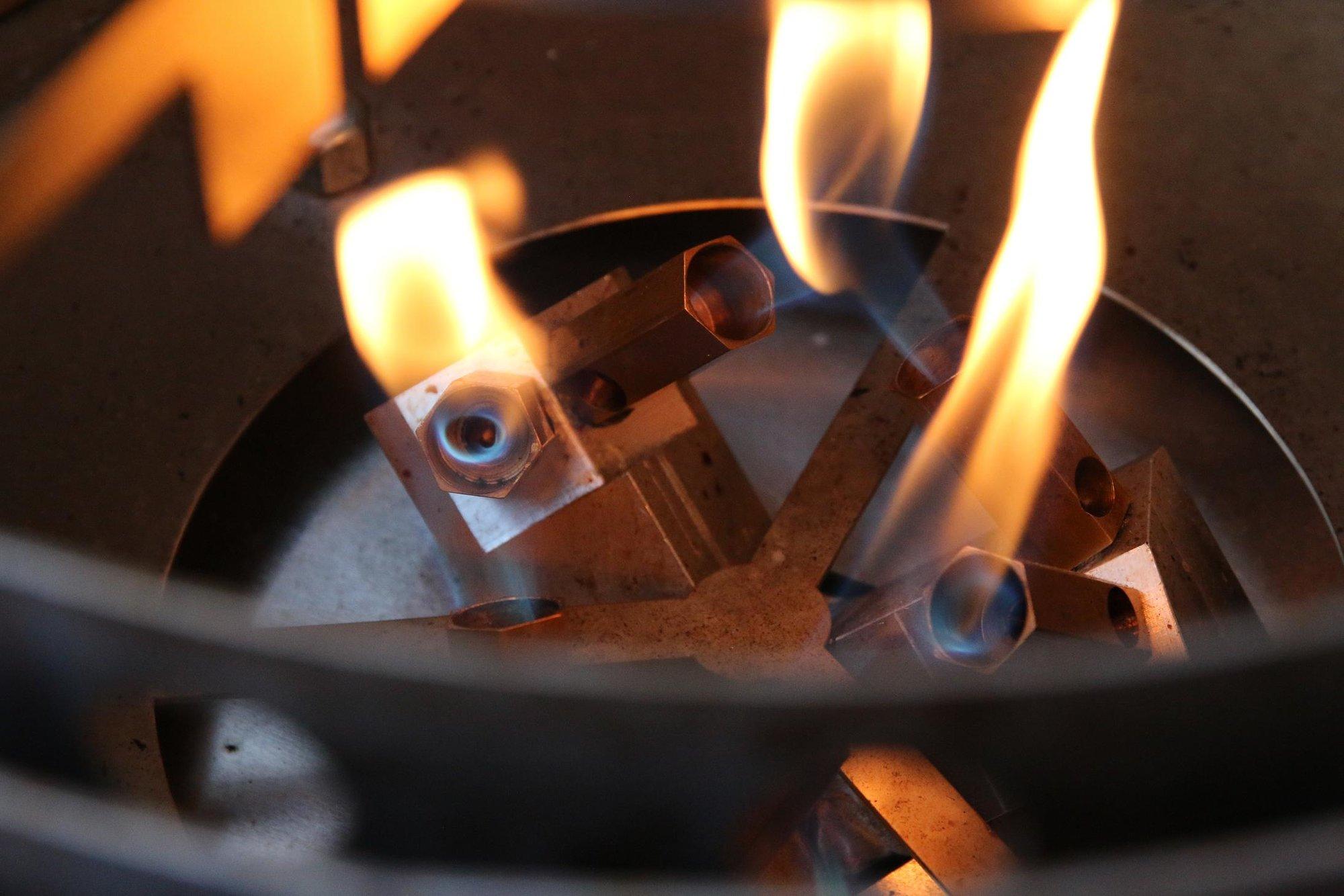 29 Brennerflammen.JPG
