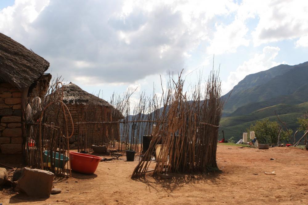 39 Lesotho Ribaneng Cooking Hut.jpg