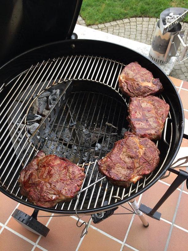 rinderr cken steaks auf dem sear grate grillforum und bbq. Black Bedroom Furniture Sets. Home Design Ideas