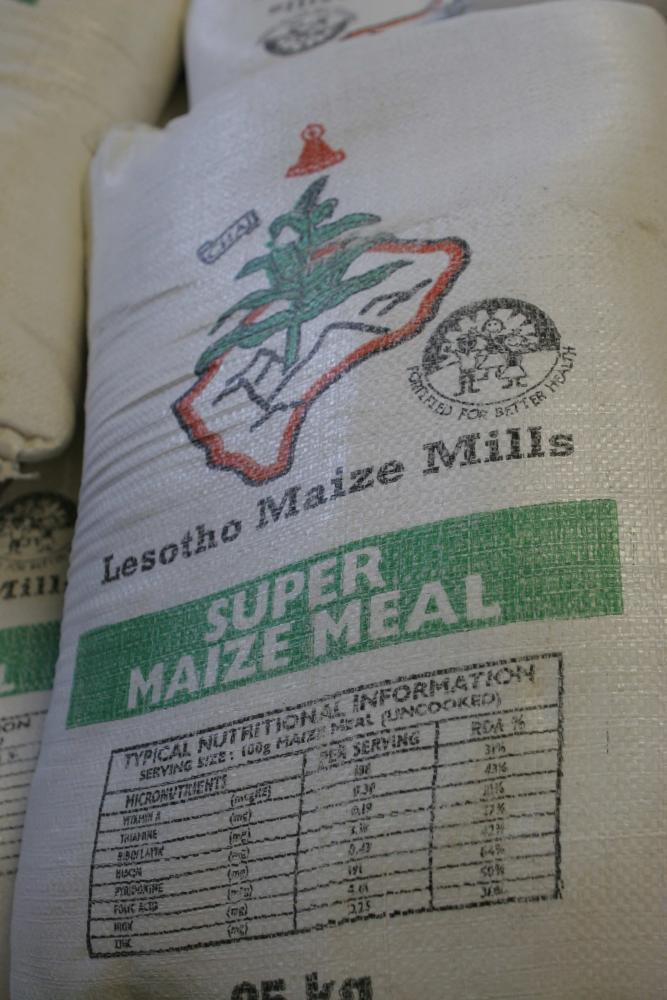 52 Lesotho Mt Moorosi Hauptnahrungsmittel.jpg