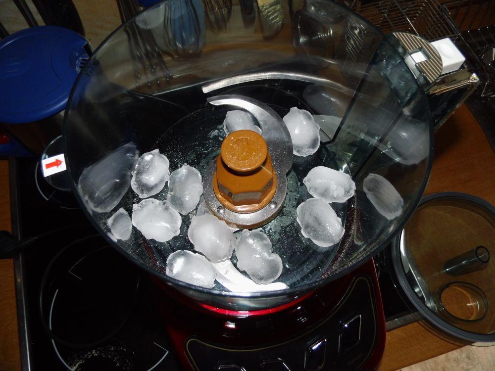 7_Eiswürfel_für_Eisschnee.jpg