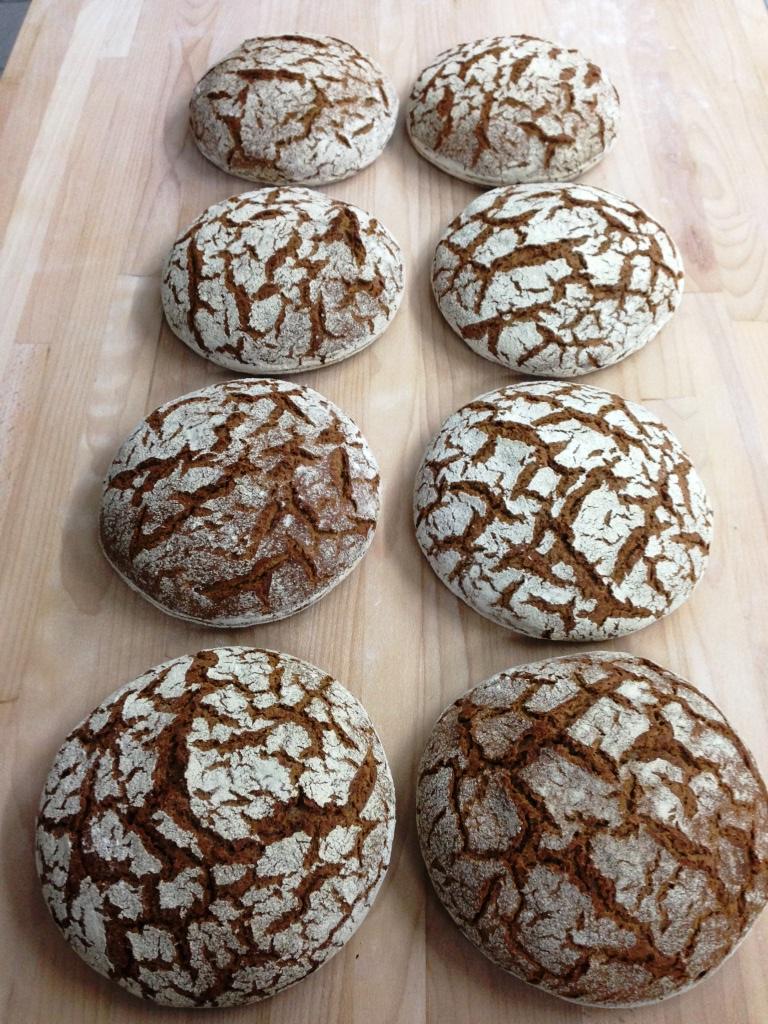8_fertige Brote.JPG