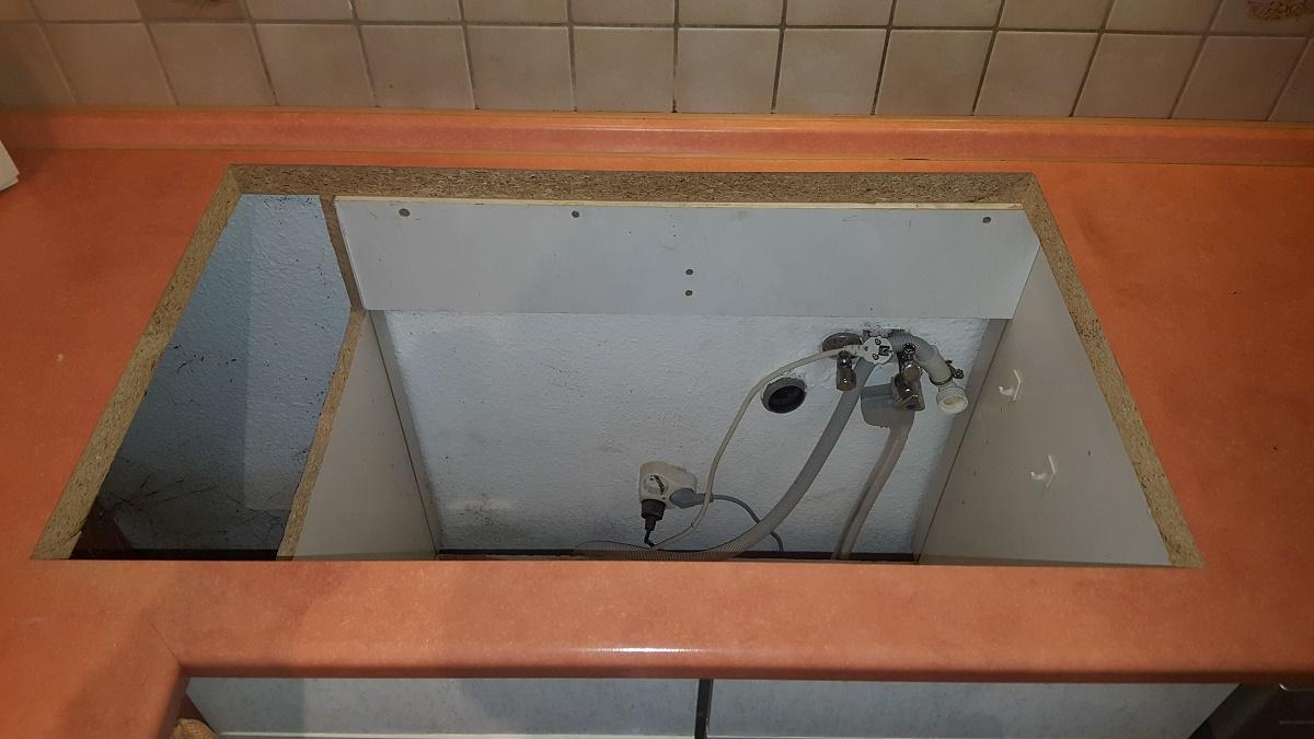 Wir suchen eine Einbauspüle mit einem sehr großen Becken. ca. 50cm ...
