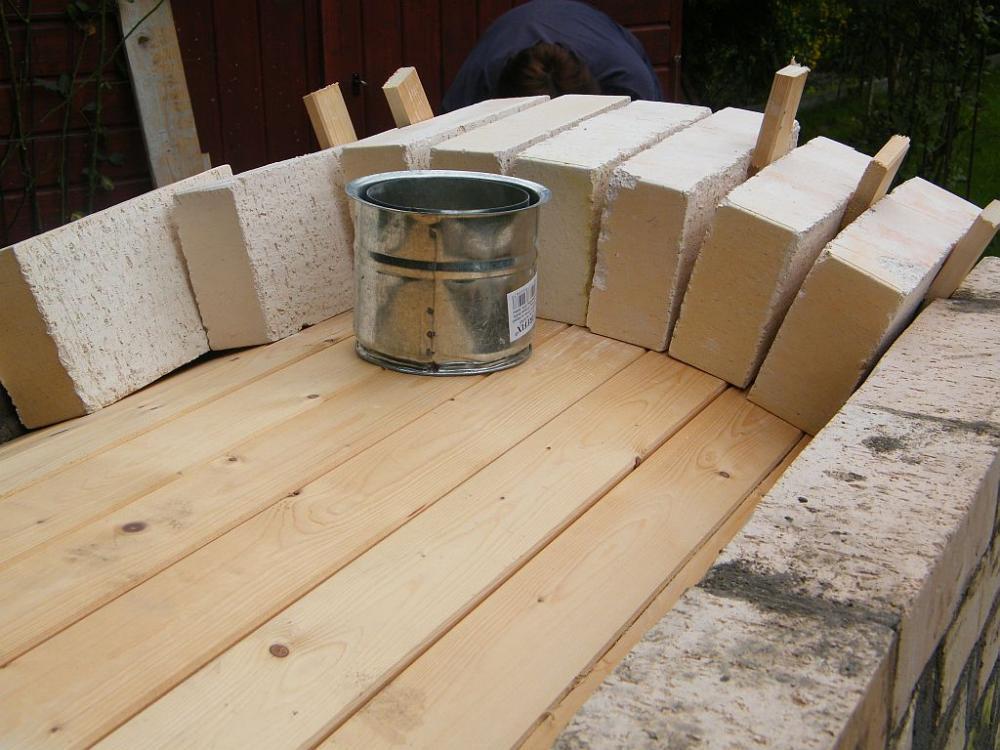 projekt steinbackofenbau ist angelaufen seite 3 grillforum und bbq. Black Bedroom Furniture Sets. Home Design Ideas
