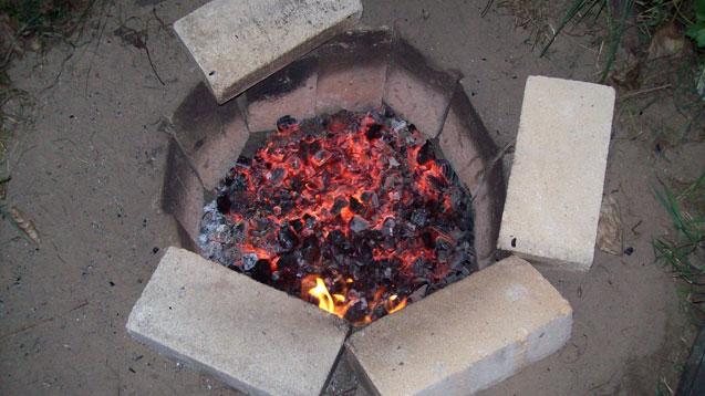 dutch oven brisket im erdofen grillforum und bbq. Black Bedroom Furniture Sets. Home Design Ideas