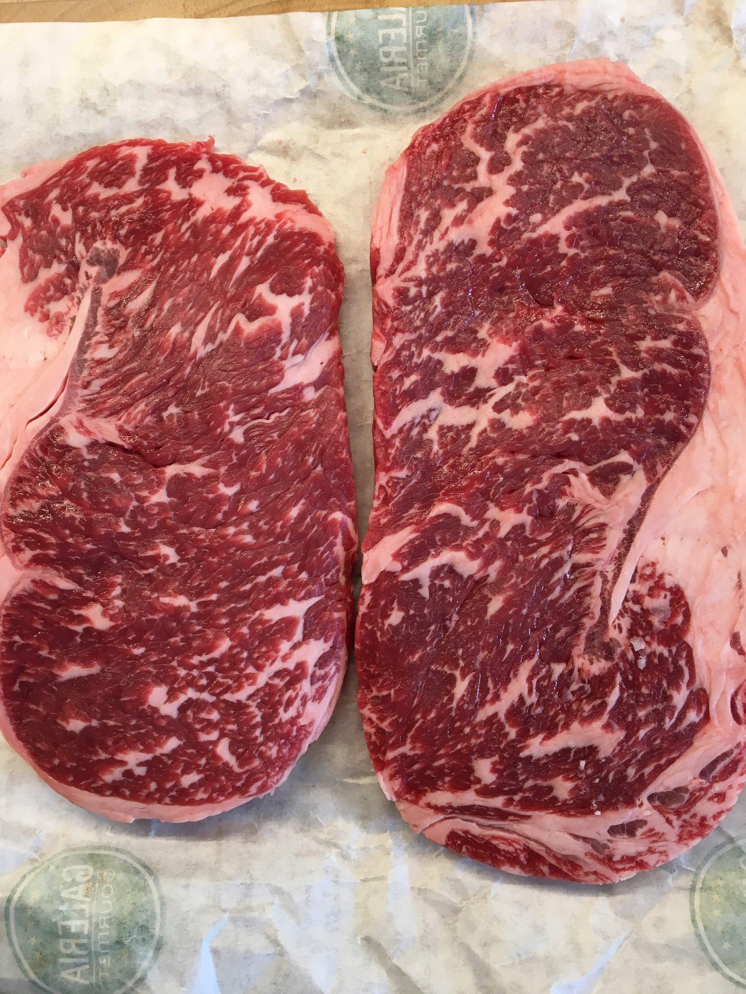 Bild48WagyuBlackAngus Steak.JPG