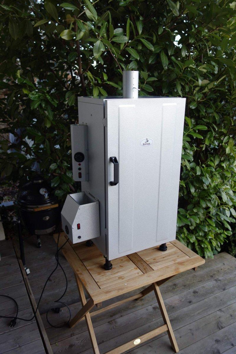borniak elektrischer r ucherofen smoker mit rauchgenerator. Black Bedroom Furniture Sets. Home Design Ideas