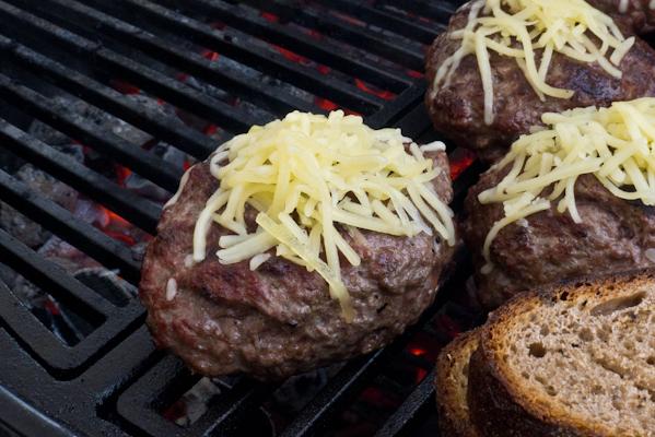 Burger am Grill.jpg