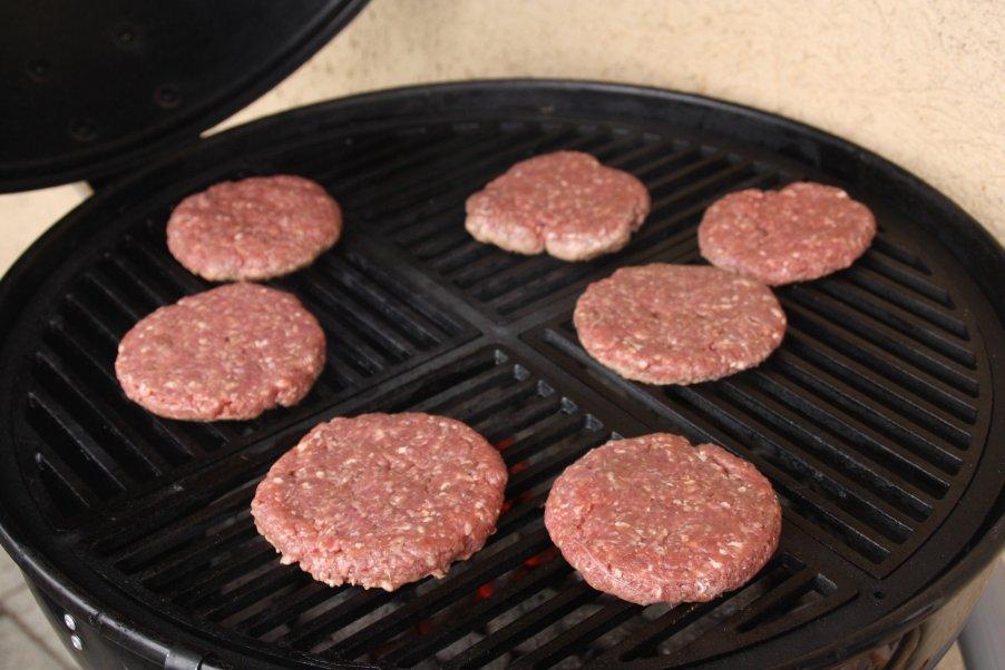 Burger_roh_grill.jpg