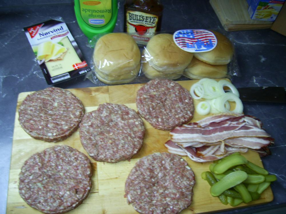 Cheeseburger 05.05 001.jpg