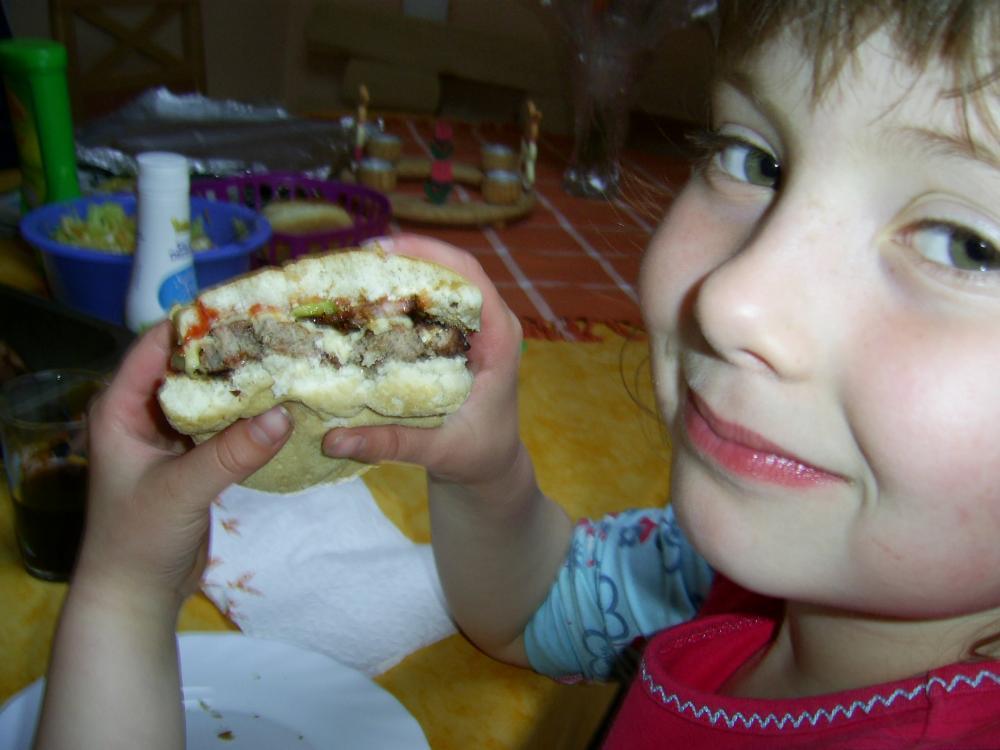 Cheeseburger 05.05 009.jpg