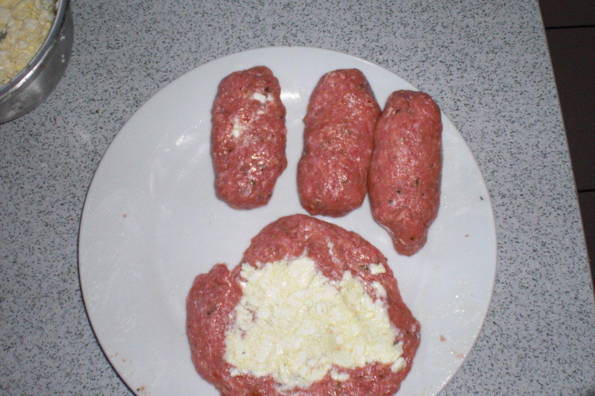 3 g nge menue empanadas mit thunfisch bifteki. Black Bedroom Furniture Sets. Home Design Ideas