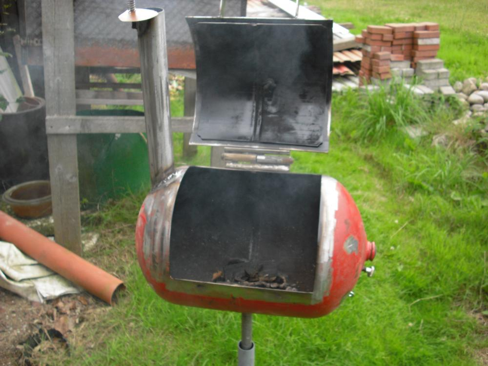 mini low budget smoker grillforum und bbq www. Black Bedroom Furniture Sets. Home Design Ideas