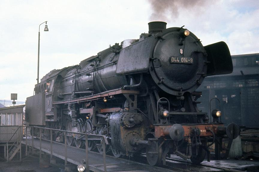 DB_044_Class_at_Trier_shed.jpg