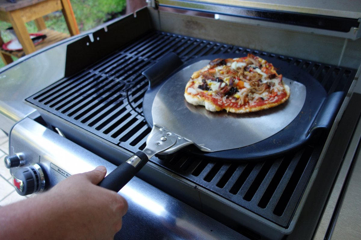 Pulled Pork Gasgrill Q 220 : Ppp pulled pork pizza oder pizza vom grill mal anders