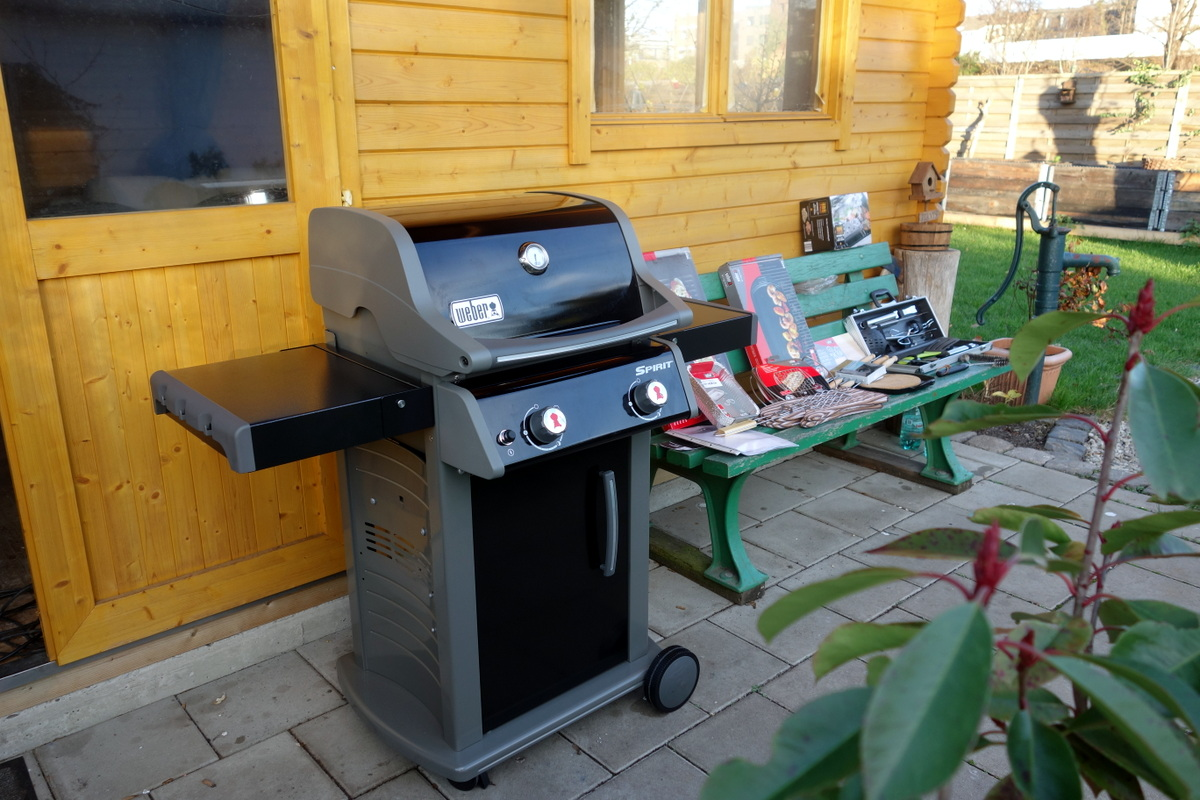 mein erster gasgrill weber spirit e210 original black grillforum und bbq www. Black Bedroom Furniture Sets. Home Design Ideas