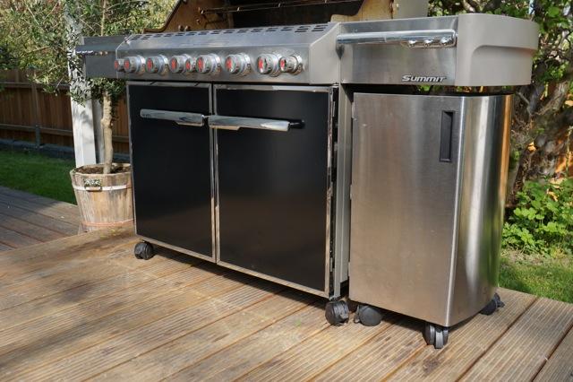 summit grill center grillforum und bbq. Black Bedroom Furniture Sets. Home Design Ideas